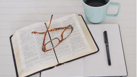 Nachdenken über die Bibel | An Gott glauben und an die Bibel glauben