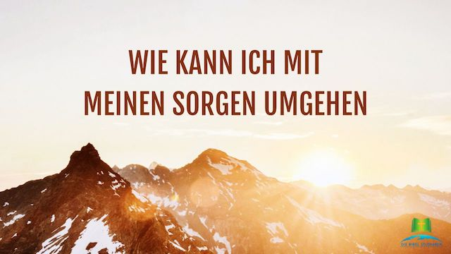 Berg und Sonnenaufgang