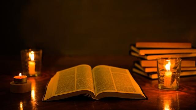 Immer mehr Menschen verlassen die Kirche – Suche den Grund