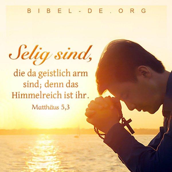 ein man betet zu Gott